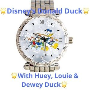 NEW!✨Women's Donald Duck & Friends Watch✨